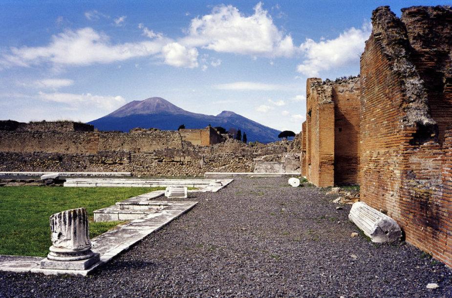 Vezuvijaus kalnas, žiūrint nuo Pompėjos