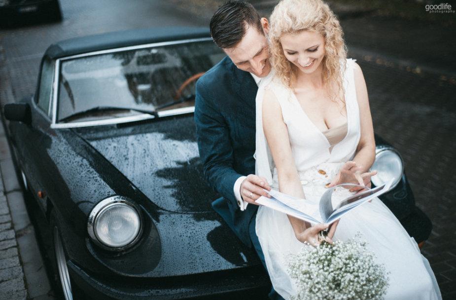 Vestuvinės fotosesijos akimirka