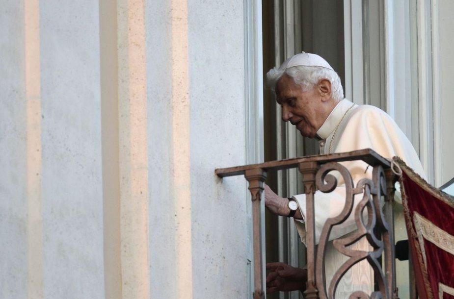 Popiežiaus Benedikto XVI atsisveikinimas