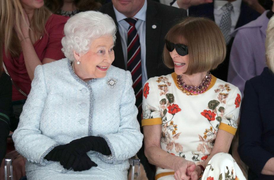 Karalienė Elizabeth II ir Anna Wintour