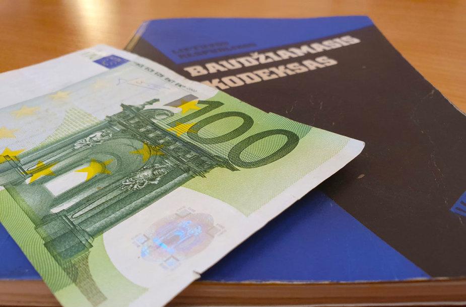 100 eurų kyšis