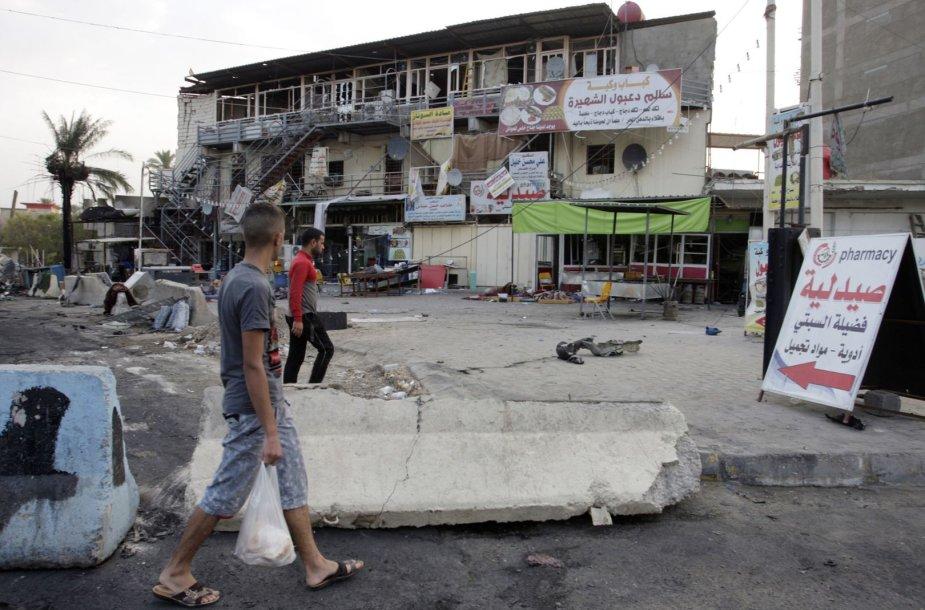 Sprogimo banga apgadino pastatą Bagdade.