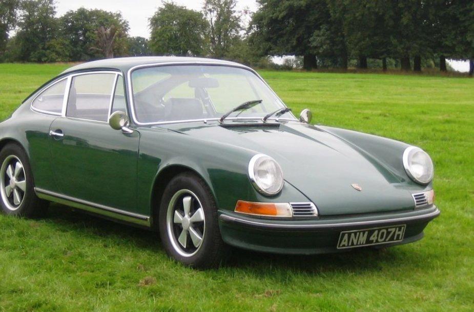 1970-ųjų Porsche 911 – atkreipkite dėmesį, kad šioje pusėje nėra degalų bako užpildymo angos. (Charles01, Wikimedia(CC BY-SA 3.0)