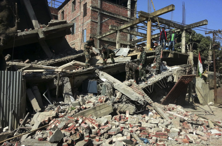 Žemės drebėjimo padariniai Indijoje