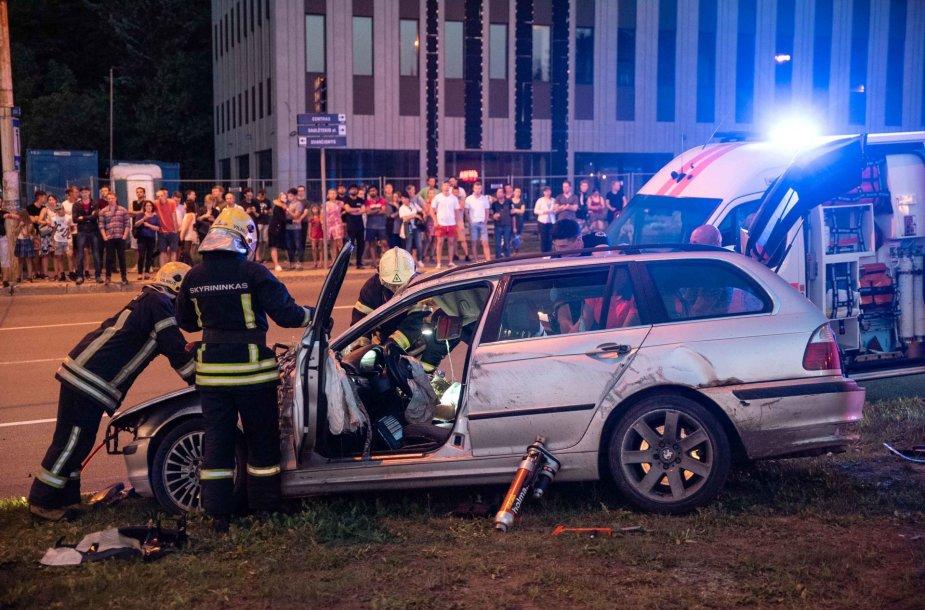 BMW vairuotoją sulaikė policija