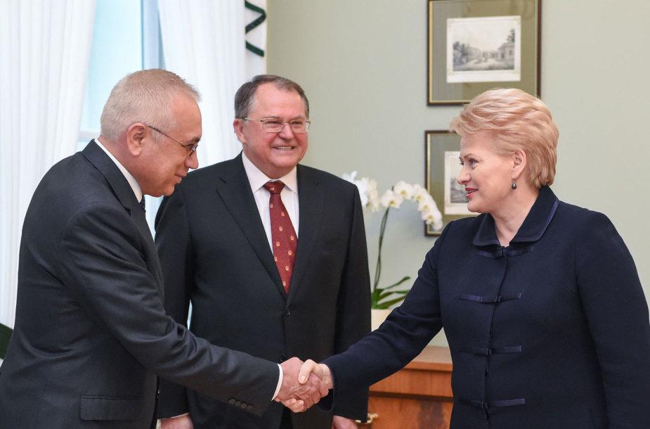 D.Grybauskaitė, V.Žovtenka (kairėje) ir J.Baulinas
