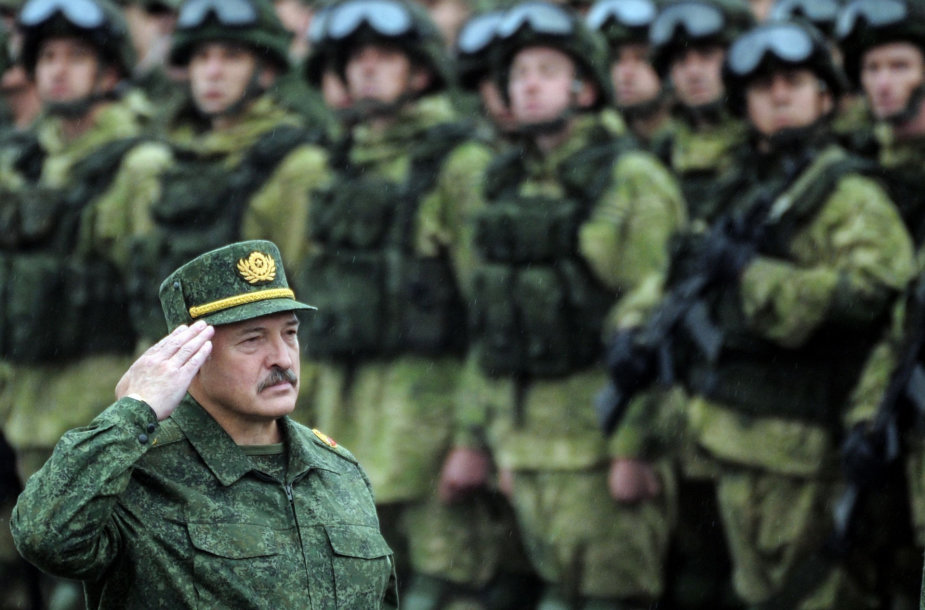 """Aliaksandras Lukašenka per karinės pratybos """"Zapad"""""""