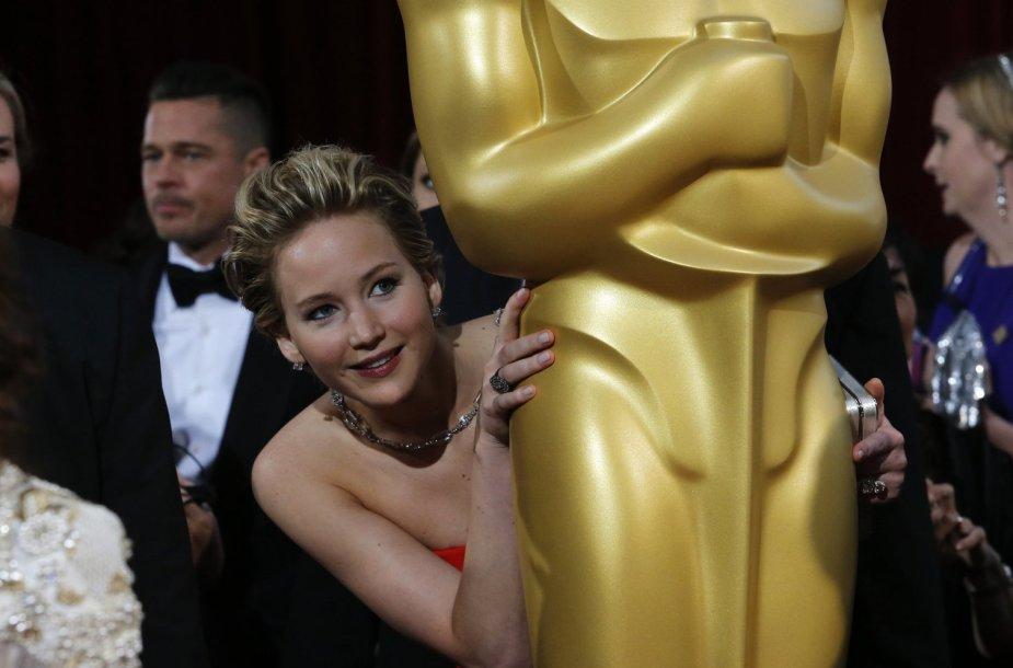 Jennifer Lawrence slepiasi už Oskaro statulos