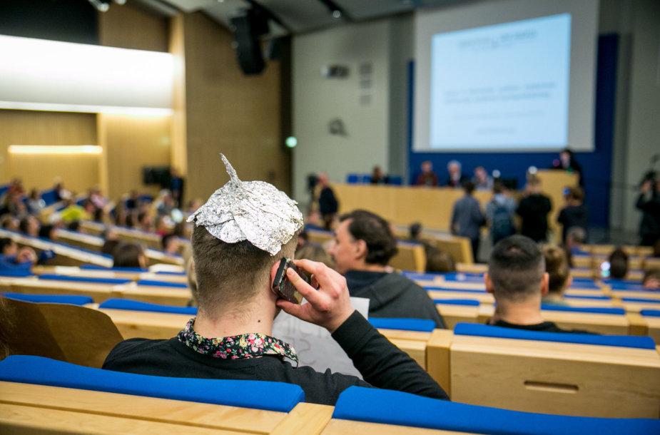 Konferencija Seime dėl privalomų skiepų