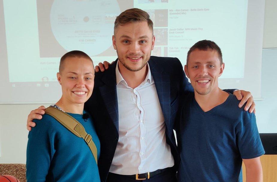 Sergejus Maslobojevas su Rose Namajunas ir jos broliu Nojumi