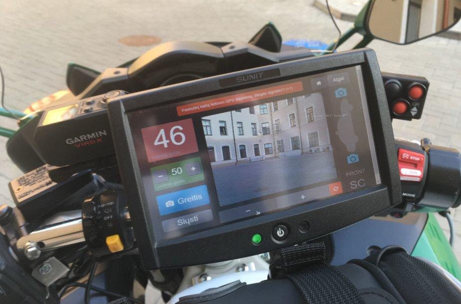 """Šeštadienio rytą į kelius išriedėjo greitį matuojantis kelių policijos motociklas: prasidėjo """"Mototurizmo ralis"""""""