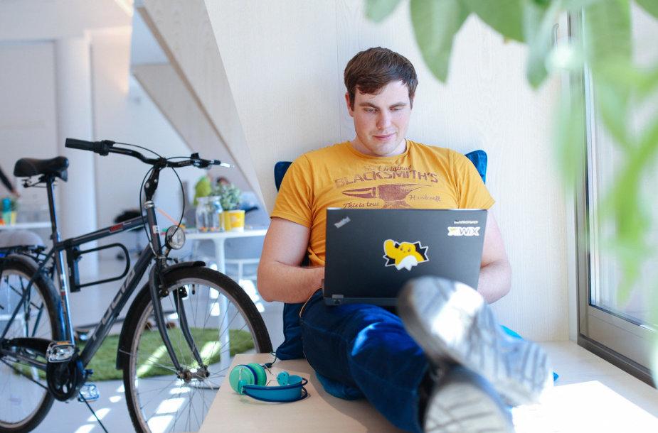 """Bendrovės """"Wix.com"""" darbuotojai skatinami išbandyti įvairius keliavimo po miestą būdus"""