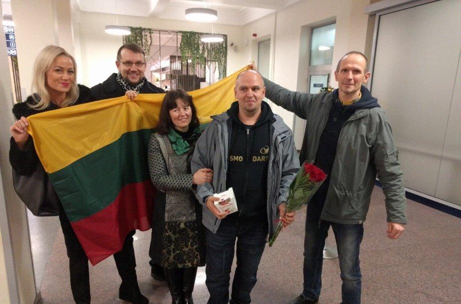 Darius Labanauskas grįžo iš pasaulio smiginio čempionato, kuriame pasiekė istorinę žymę – ketvirtfinalį.