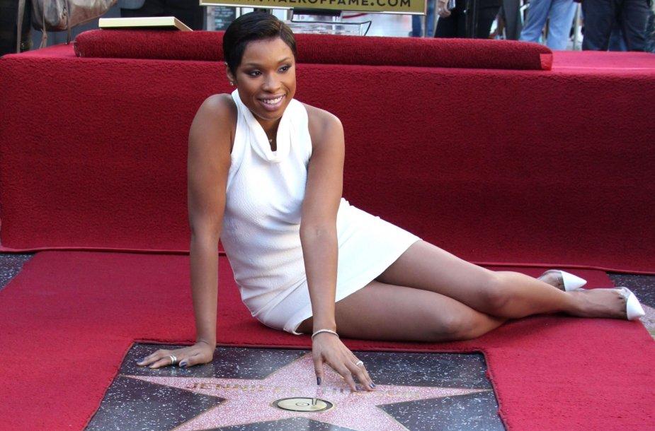 Jennifer Hudson gavo savo vardo žvaigždę Holivudo šlovės alėjoje