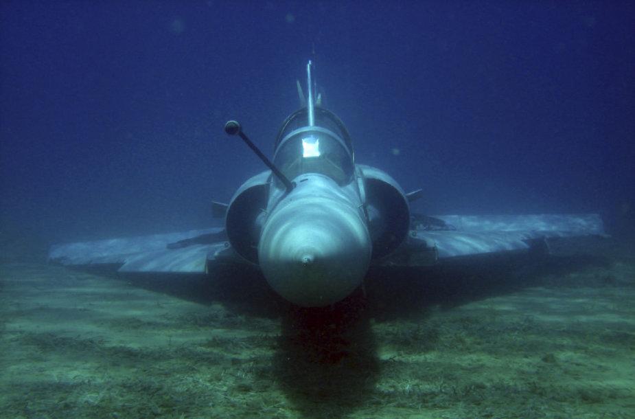 """Graikijos naikintuvas """"Mirage 2000-5"""" Egėjo jūros dugne"""