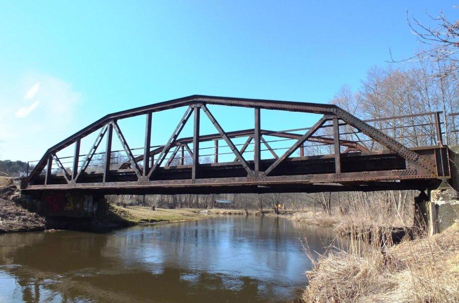 Kazbėjų tiltas. Tilto vaizdas nuo dešiniojo Vokės kranto