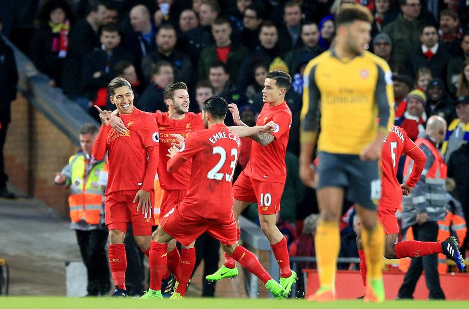 """""""Liverpool"""" futbolininkai"""