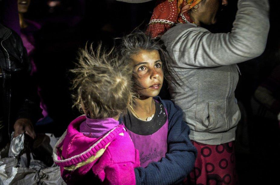 Sirijos kurdų pabėgėliai plūsta į Turkiją