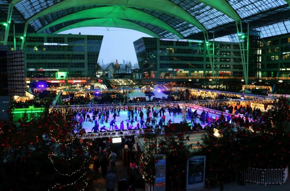Kalėdų miestelis Miuncheno oro uoste