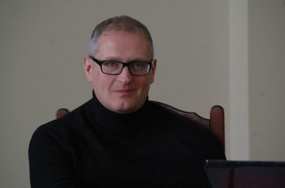Kunigas Artūras Kazlauskas