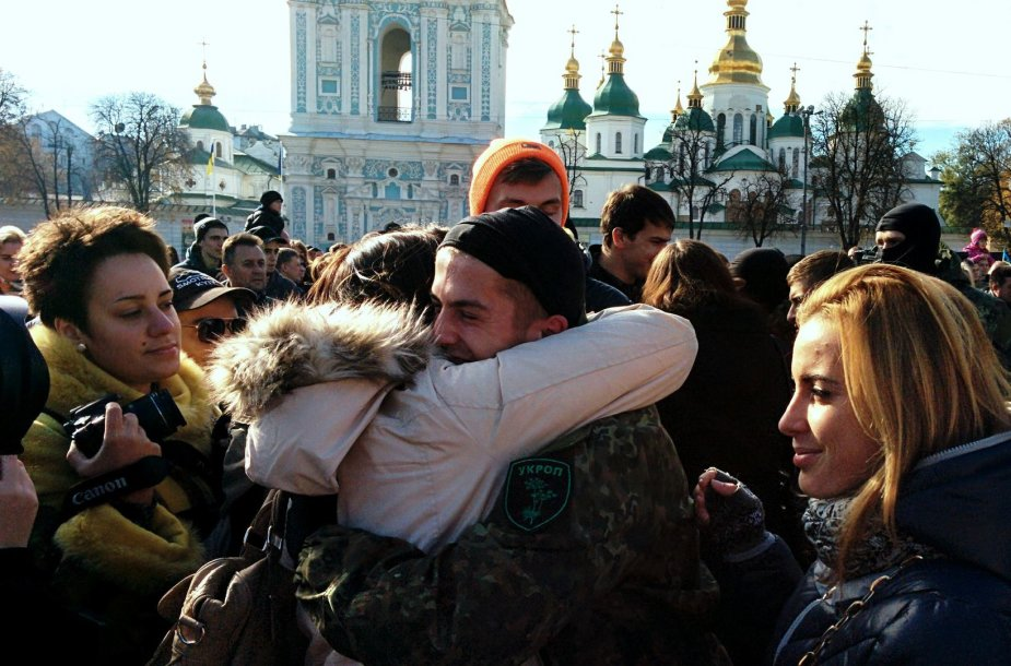 Nikolajus – didžiausia sekmadienio popietės žvaigždė Kijevo Sofijevskajos aikštėje.