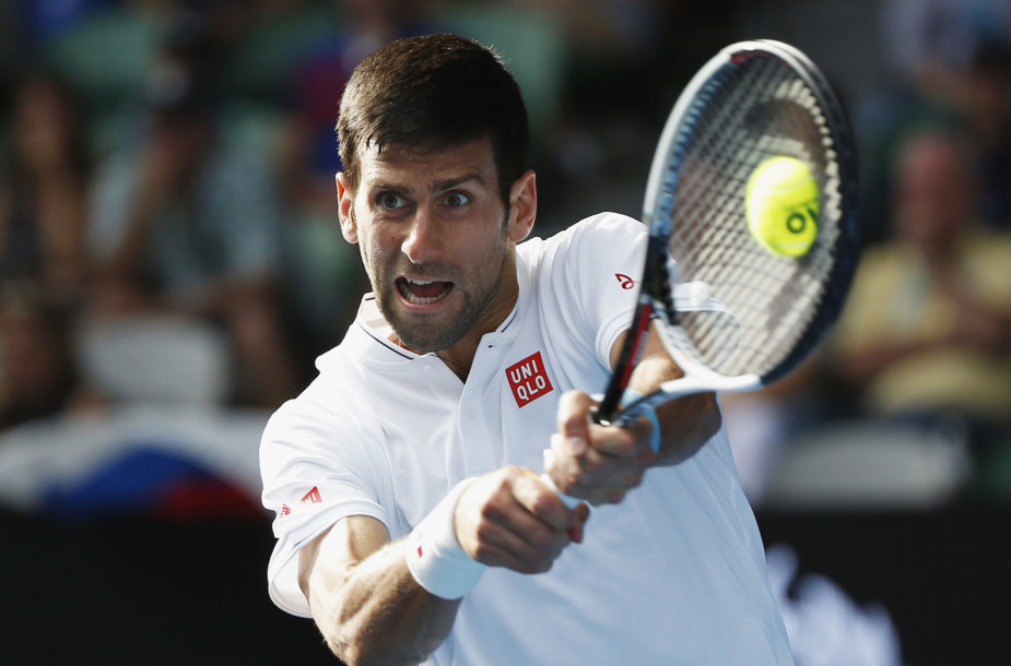 Novakas Džokovičius Melburne patyrė šokiruojantį pralaimėjimą prieš Denisą Istominą