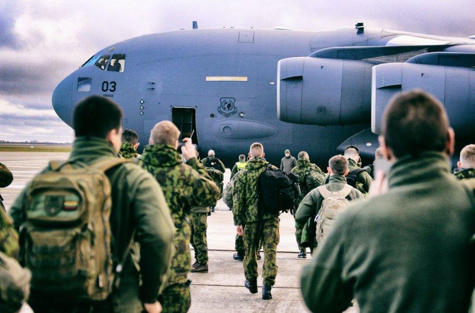 LDK  Algirdo bataliono  kariai ruošiasi  budėjimui  JK vadovaujamose Jungtinėse ekspedicinėse pajėgose
