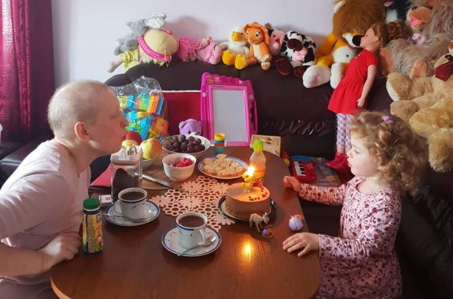 Anželika Skripkunienė su dukryte