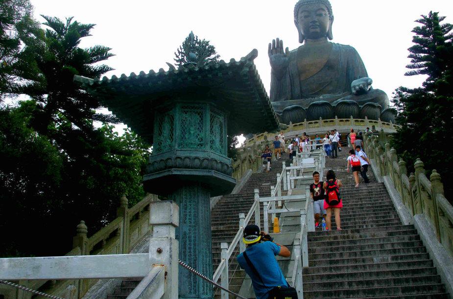Milžiniška Tian Tan Budos statula Lantau saloje, Hongkonge