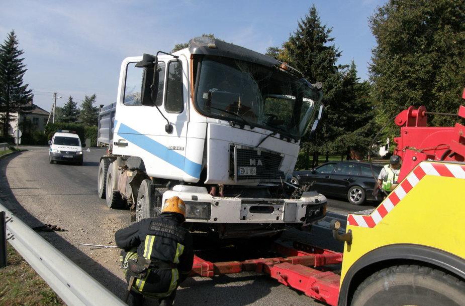 Raudondvaryje – sunkvežimių avarija