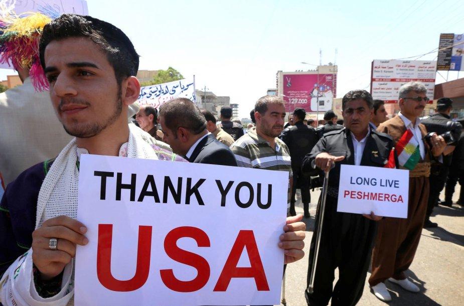 Irako kurdai ir krikščionys prie JAV konsulato