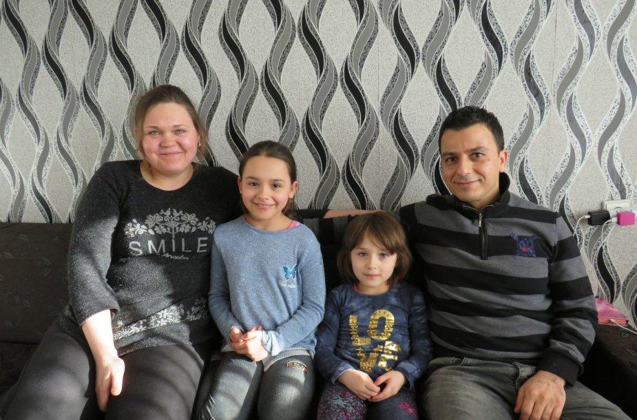 Vilkaviškyje apsigyvenusi kurdų šeima
