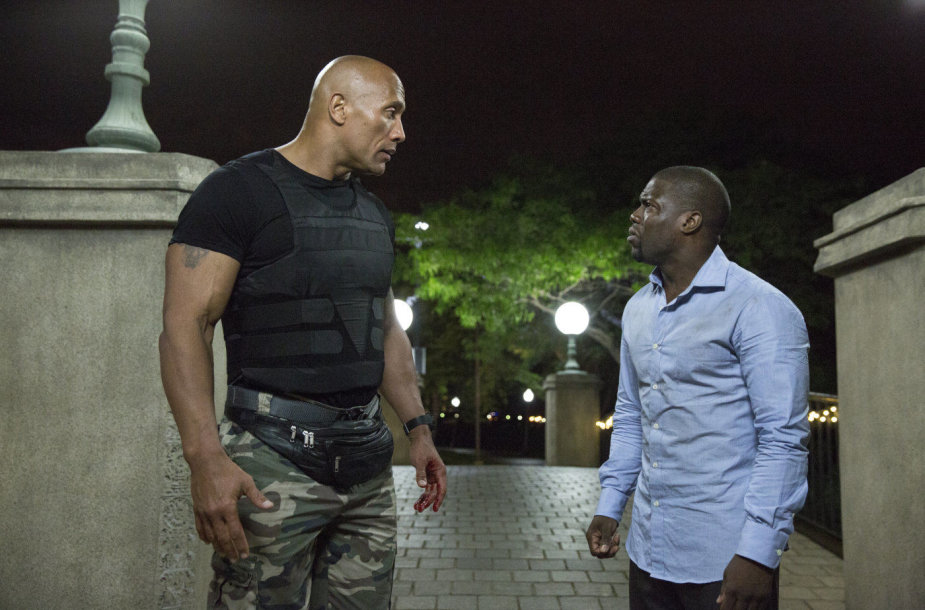 "Dwayne'as Johnsonas ir Kevinas Hartas komedijoje ""Central Intelligence"""