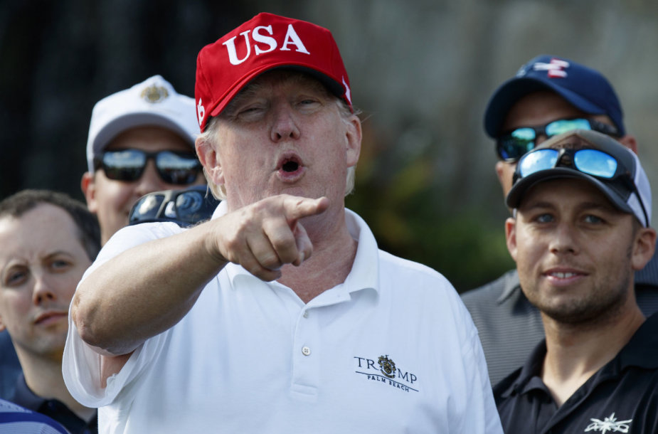 Donaldas Trumpas prieš susitikimą su Baltijos šalių prezidentais žaidė golfą