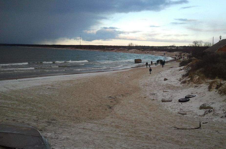 Saulėta antroji Kalėdų diena prie jūros