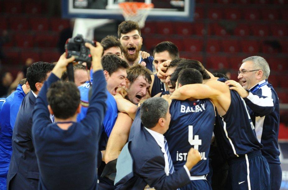 """Stambulo """"Anadolu Efes"""" pergalė"""