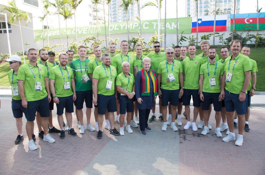 Dalia Grybauskaitė olimpiniame kaimelyje aplankė Lietuvos sportininkus