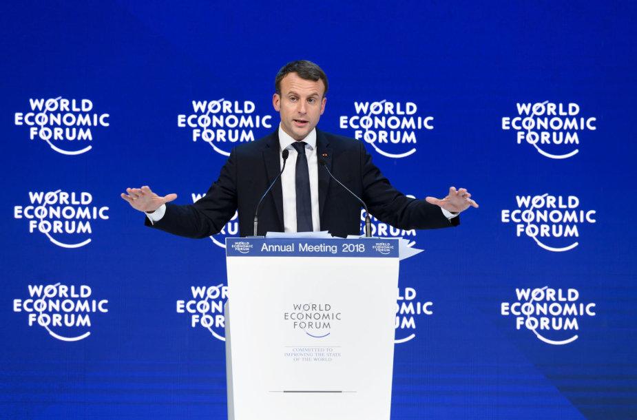 Emmanuelis Macronas Davose