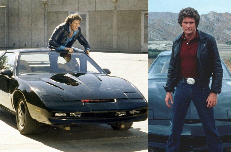 """Davidas Hasselhoffas su automobiliu iš serialo """"Ratuotas riteris"""""""