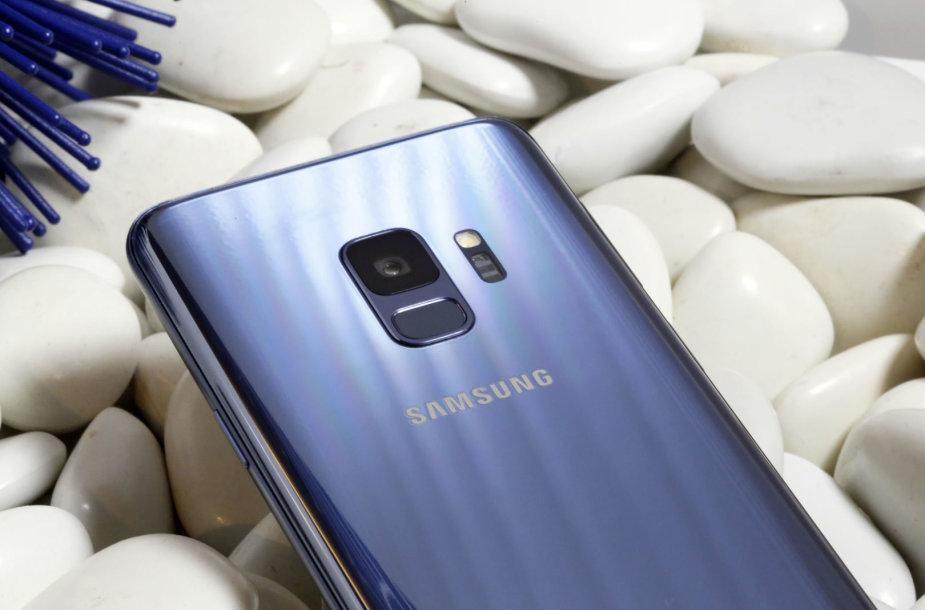"""""""Samsung"""" pristatė naujausius """"Galaxy S9"""" modelio telefonus"""