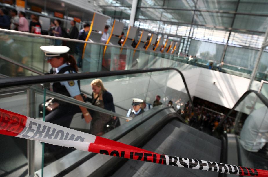 Dėl incidento laikinai buvo uždaryta dalis vieno judriausių Vokietijos oro uostų