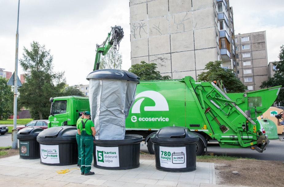 Pristatyta pirmoji požeminių atliekų konteinerių aikštelė
