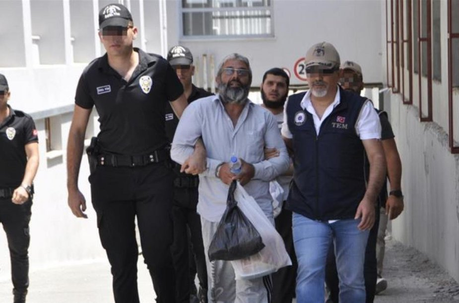 """Turkų policija sulaikė įtariamą """"Islamo valstybės"""" vadą Turkijoje"""