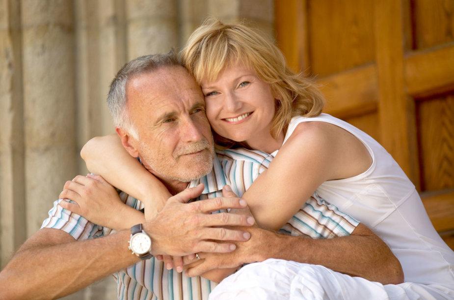 Pora su amžiaus skirtumu