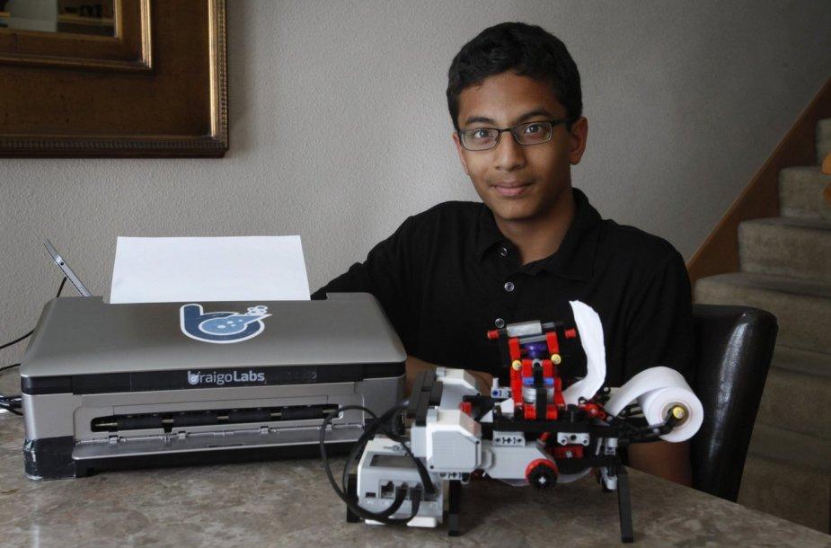 """Į jauno išradėjo iš Kinijos Shubhamo Banerjee'o išradimą """"Intel"""" investavo šimtus tūkstančių dolerių"""