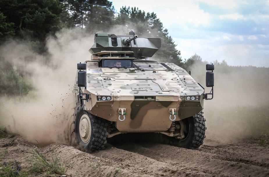 Lietuvos kariuomenės ir KAM atstovai Vokietijoje stebėjo pėstininkų kovos mašinos BOXER prototipo bandymus