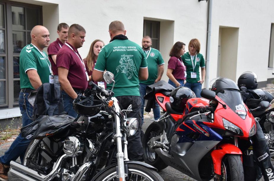 Mototurizmo raliui pasiruošę pareigūnai