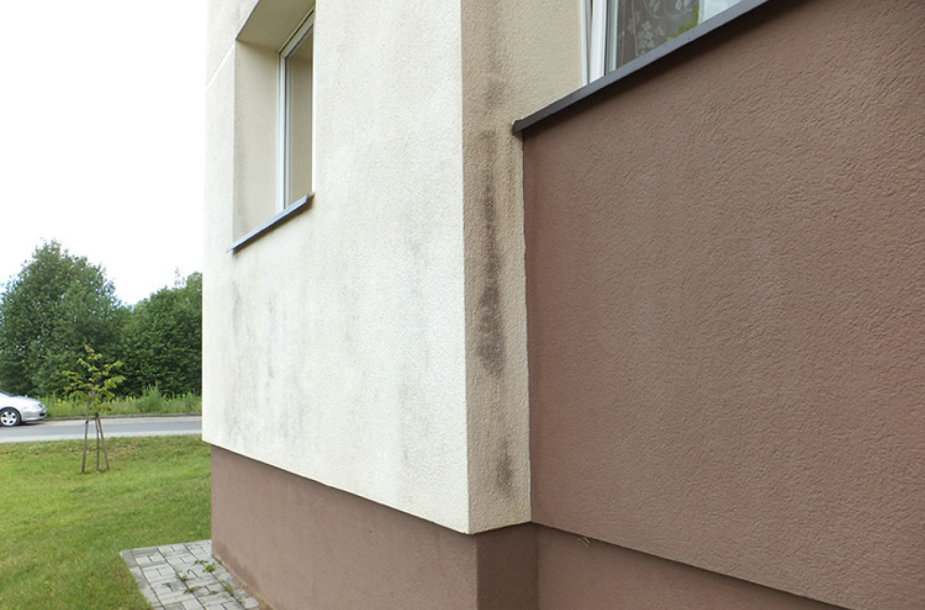 Taip atrodo mažiau nei prieš penkerius metus renovuoto namo sienos