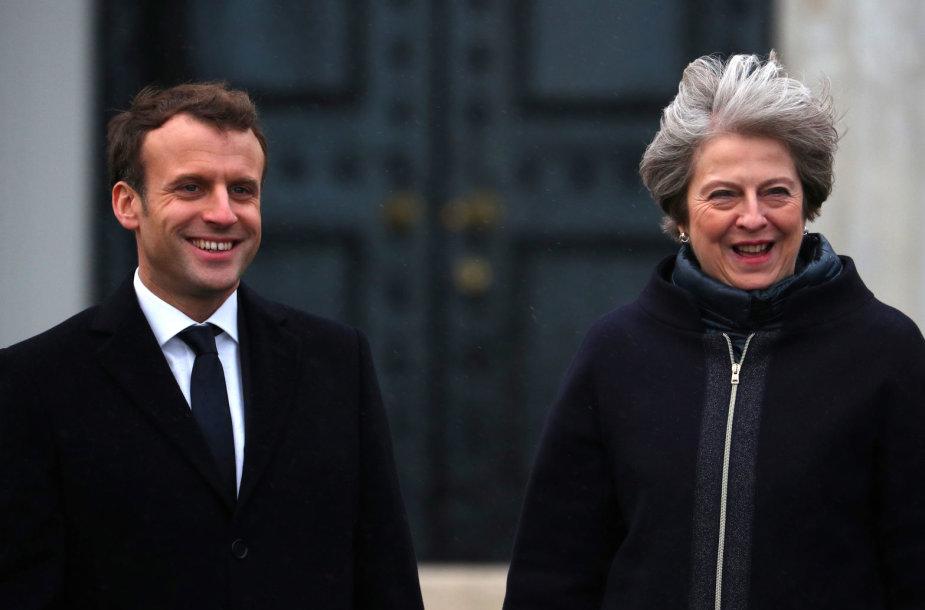 Britų premjerė Th. May sutiko savo kolegą prancūzą E. Macroną