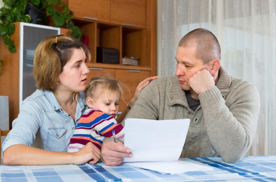 Šeima sunerimusi dėl savo finansinės padėties